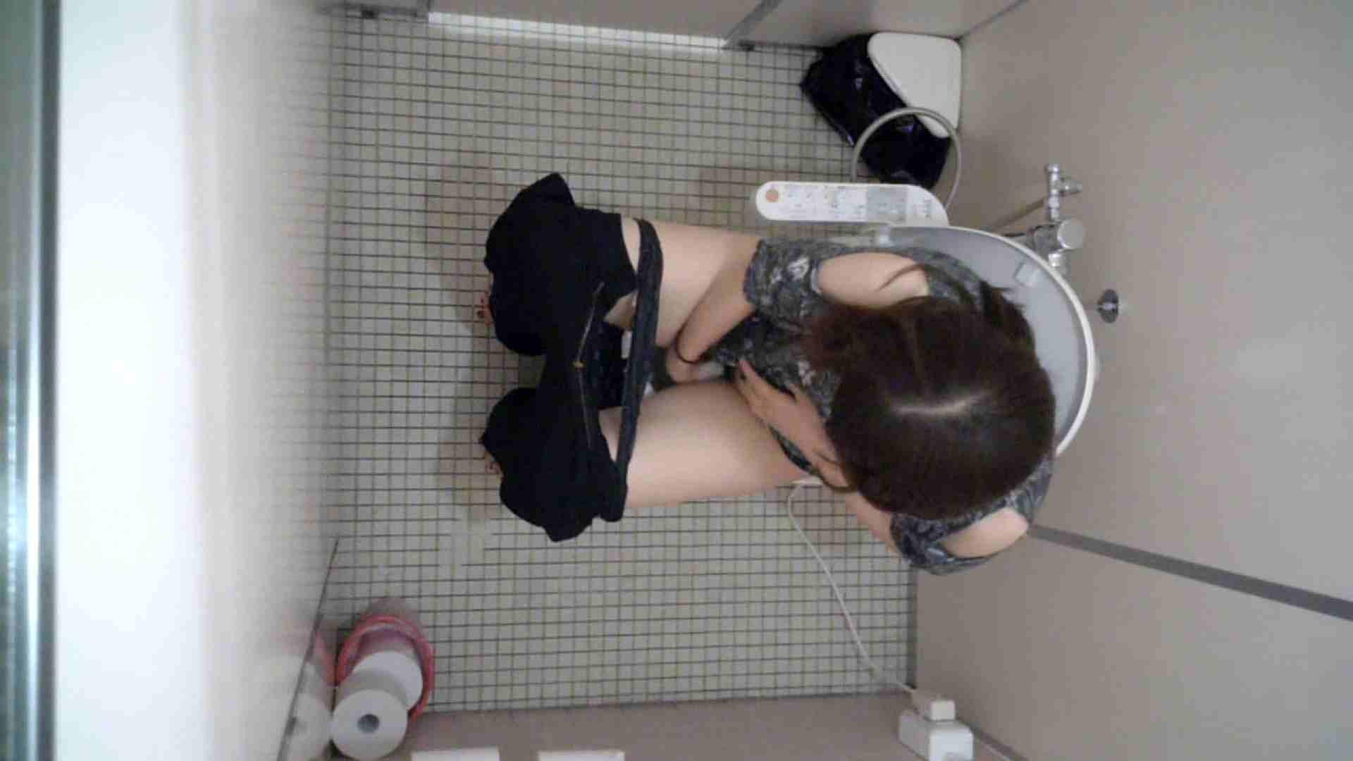 有名大学女性洗面所 vol.43 いつみても神秘的な世界です。 和式 | 潜入  13pic 1