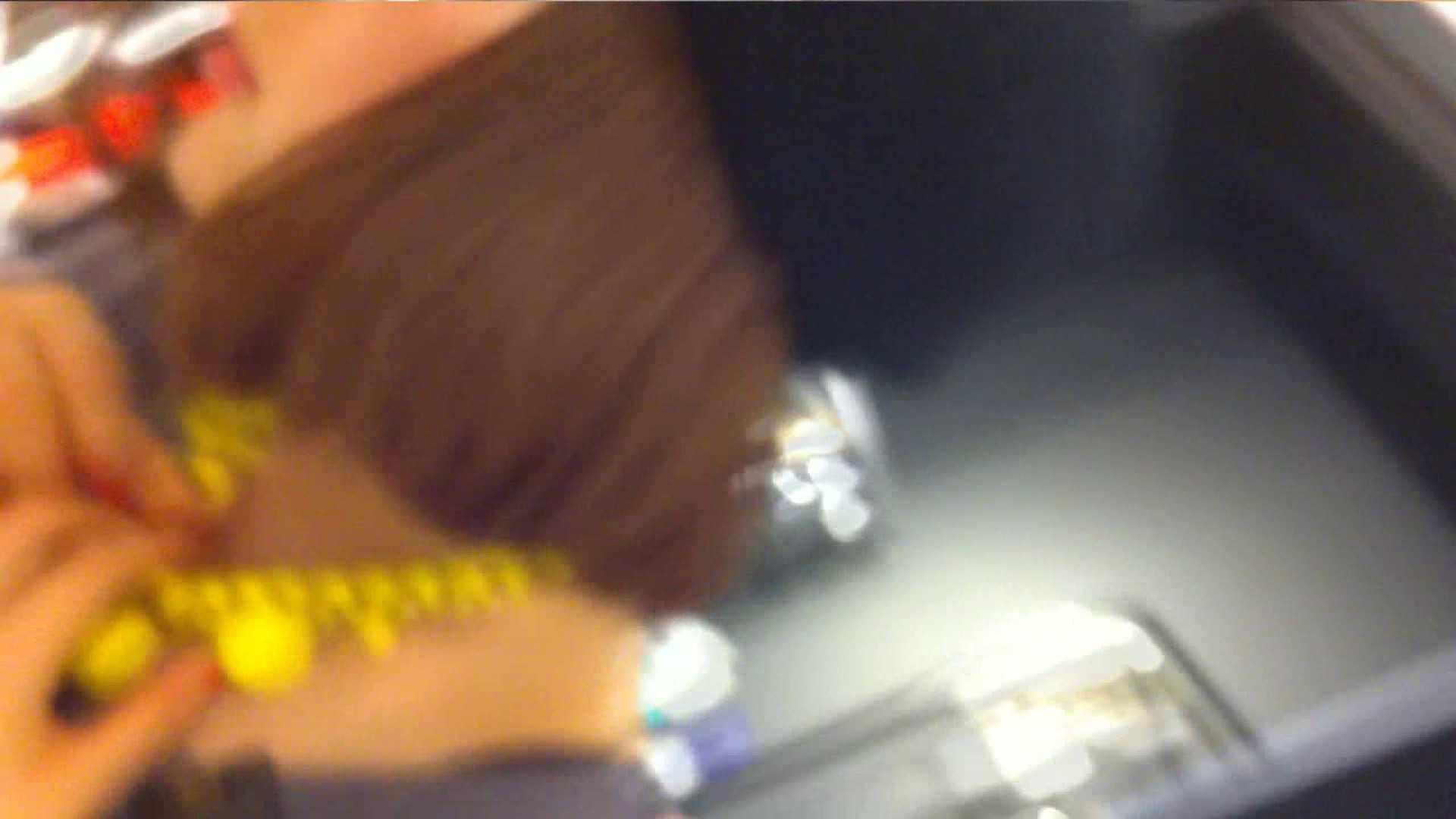 あれこのショップ‼あのカリスマ店員‼今日は黒パンツ‼ 接写  13pic 10