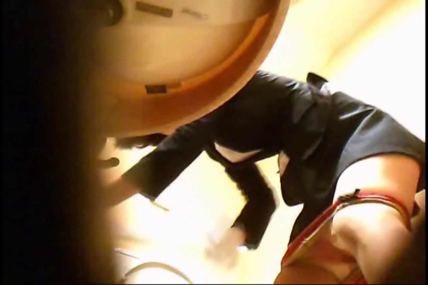潜入!!女子化粧室盗撮~絶対見られたくない時間~vo,41 潜入 | お姉さん  11pic 1