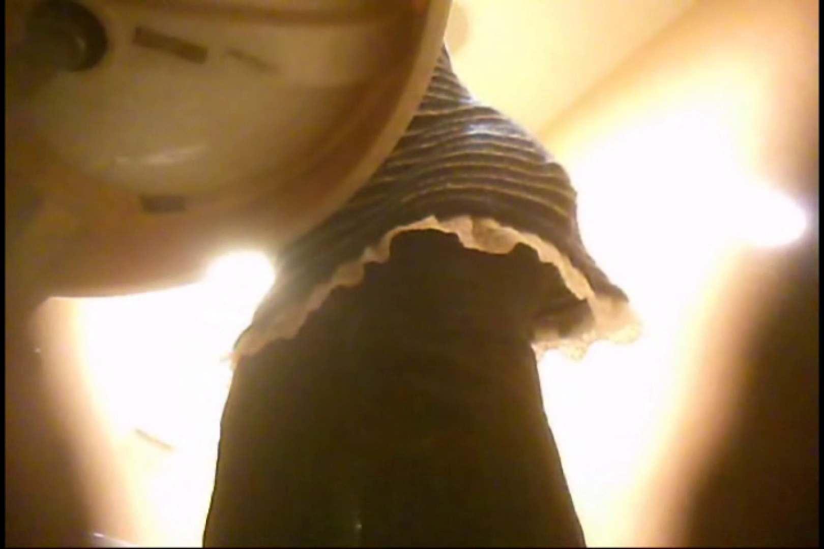 潜入!!女子化粧室盗撮~絶対見られたくない時間~vo,96 熟女のカラダ 濡れ場動画紹介 10pic 5