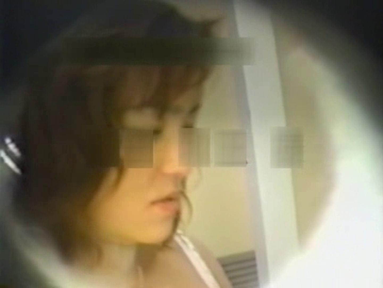和式個室に穴を開けて盗撮しました。 和式  12pic 12