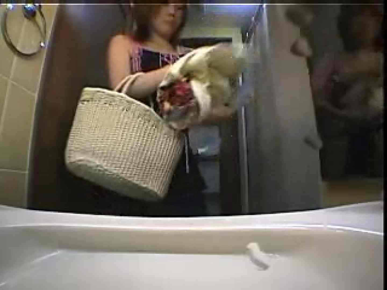 水着ギャル 洗い場洗面所盗撮 オマンコ AV無料動画キャプチャ 10pic 4