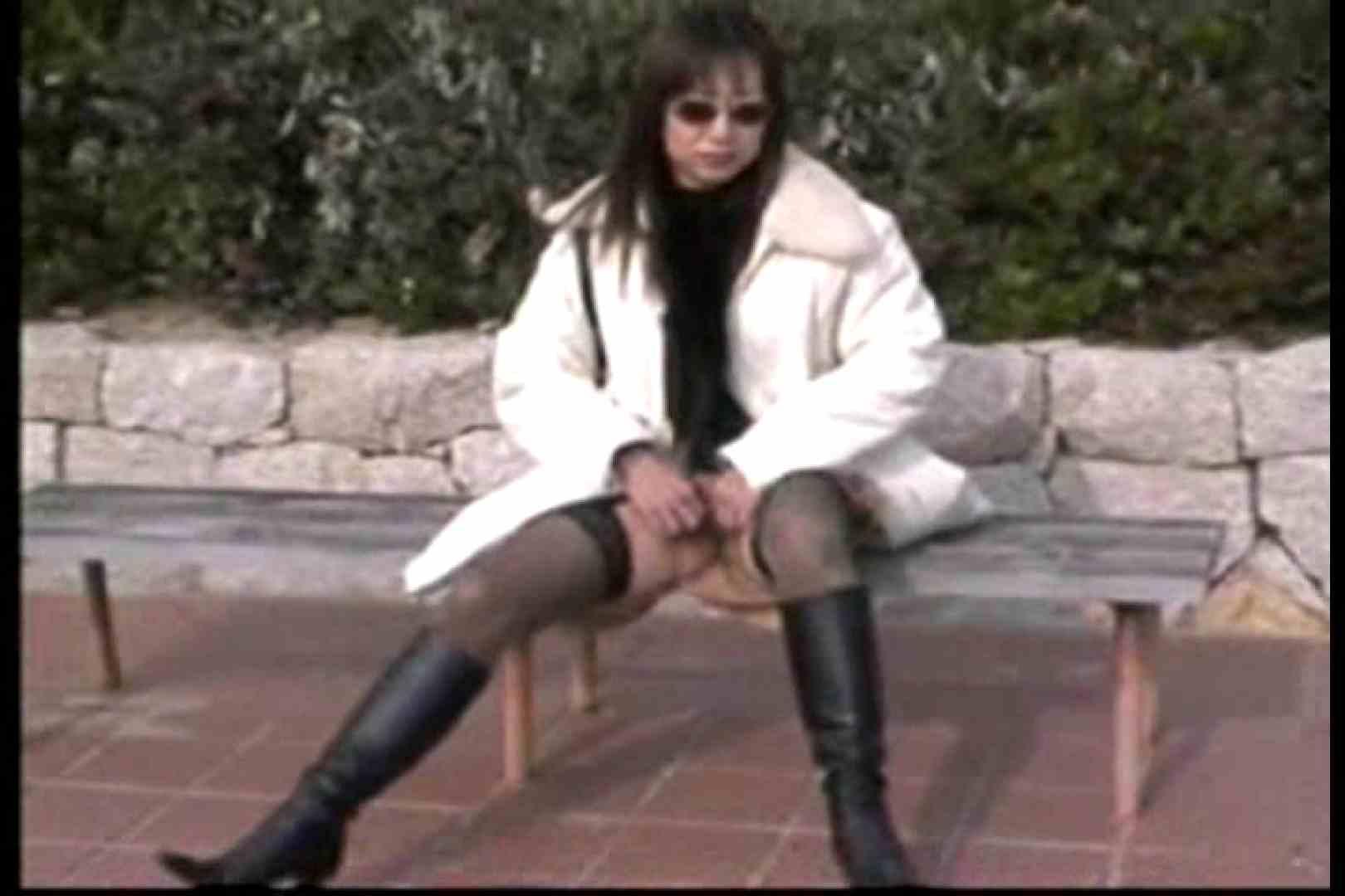 美熟女の野外露出プレイ 車 ヌード画像 10pic 4